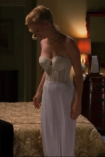 MAD MEN lingerie Betty Draper 2