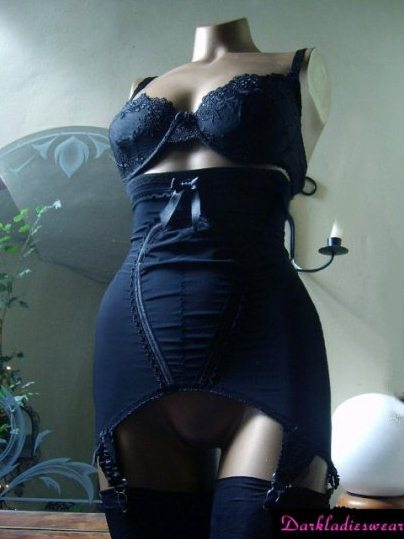 black high cut girlde